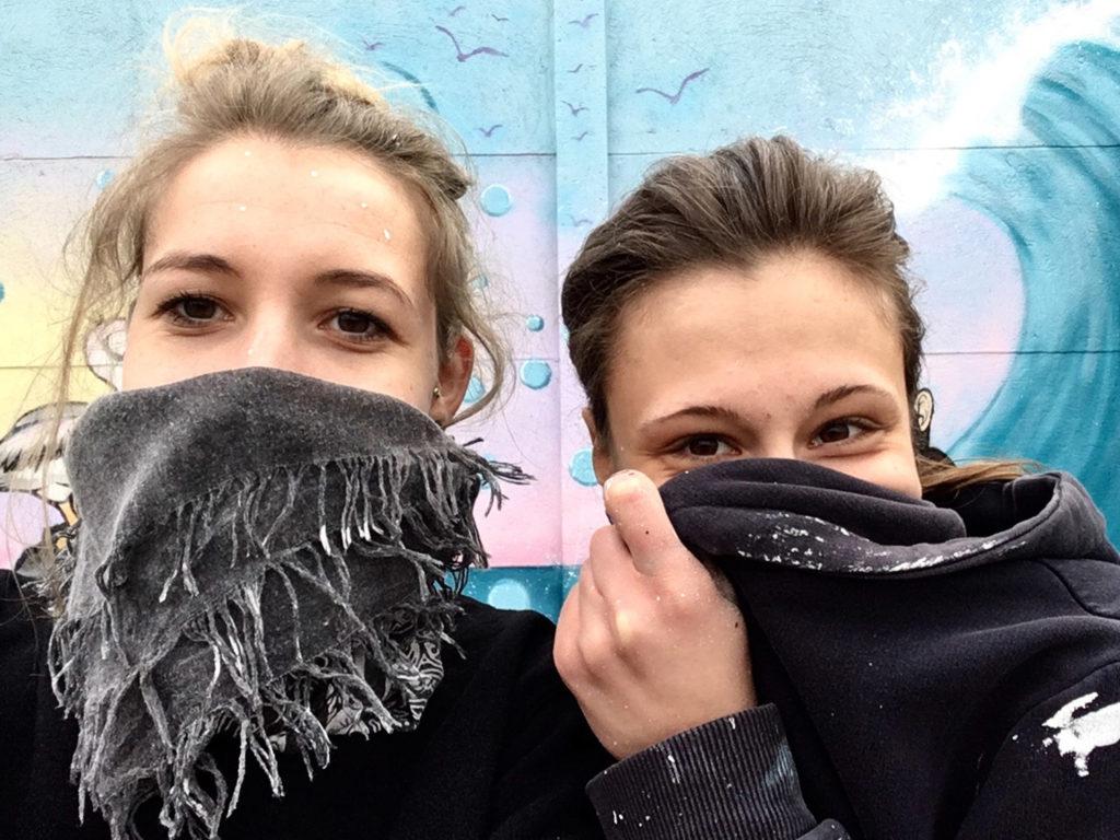 Malerfreunde vom Dienst: Laura und Verena