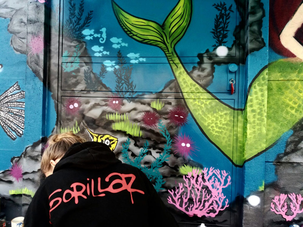 Laura und Graffiti Seeigel